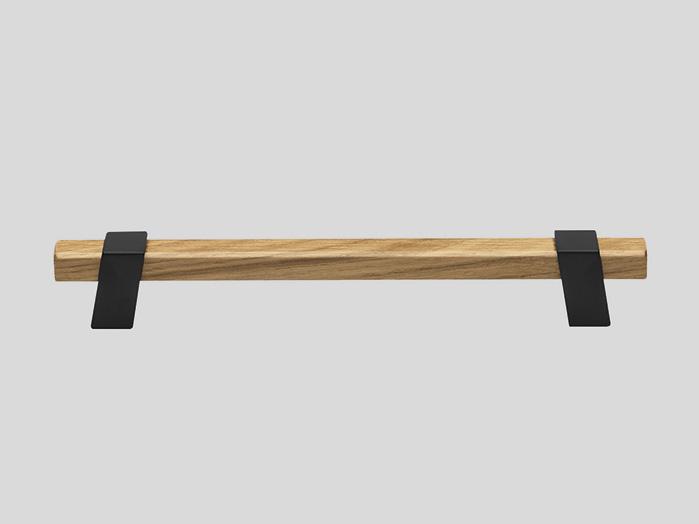737     Металлическая ручка с компонентами из дерева Дуб / черный
